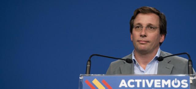 """Almeida critica a Sánchez por """"bajar del barco"""" después del """"primer pinchazo"""" de la vacuna contra el coronavirus"""
