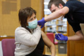 Navarra administra 10.866 dosis de la vacuna contra el coronavirus y suma al plan a los profesionales sanitarios