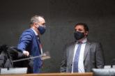 El Parlamento de Navarra aprueba la vacunación contra el coronavirus con
