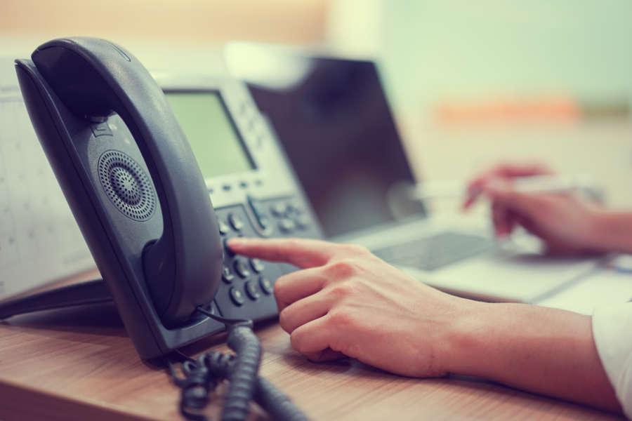 Los usuarios del teléfono 010 de Pamplona valoran la atención con 8,7 puntos sobre 10
