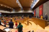 Minuto de silencio en memoria de Rafael Gurrea, Presidente del Parlamento de Navarra en la VI Legislatura (2003-2007)