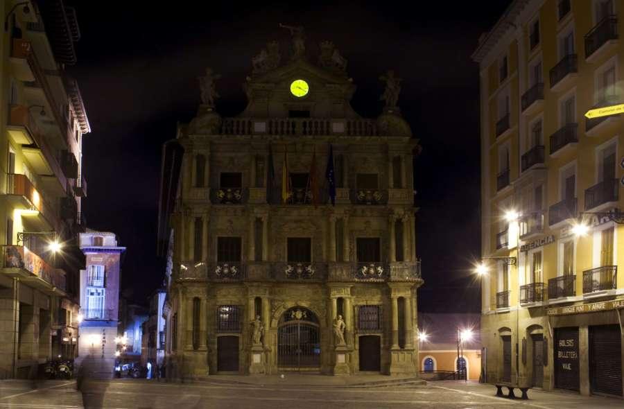 Pamplona se suma este sábado a la 'Hora del Planeta' apagando la iluminación de una veintena de edificios y monumentos