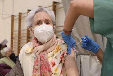 Descienden los contagios de coronavirus en mayores de 75 años en Navarra