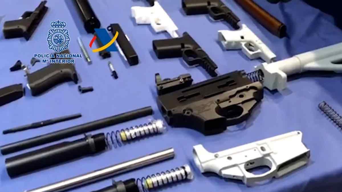 Desmantelado el primer taller ilegal de impresión de armas 3D en España