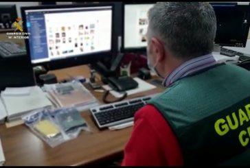 La Guardia Civil detiene a dos presuntos pederastas que contactaban con los menores a través de juegos online