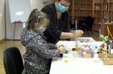 El Ayuntamiento de Pamplona atiende en sus domicilios a más de 150 menores para mejorar su adaptación