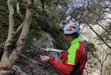 Bomberos de Navarra coloca indicadores en tres barrancos de la Comarca de Pamplona para facilitar futuros rescates