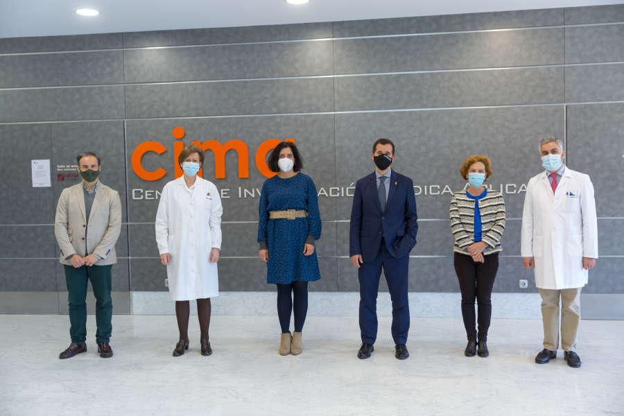 Irujo destaca, en su visita al Cima Universidad de Navarra, la apuesta foral por la medicina personalizada
