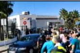 Sánchez y Marlaska recibidos con abucheos en Ceuta tras la entrada de inmigrantes desde Marruecos