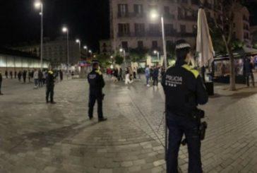 Desalojadas 3.959 personas por formar aglomeraciones en Barcelona